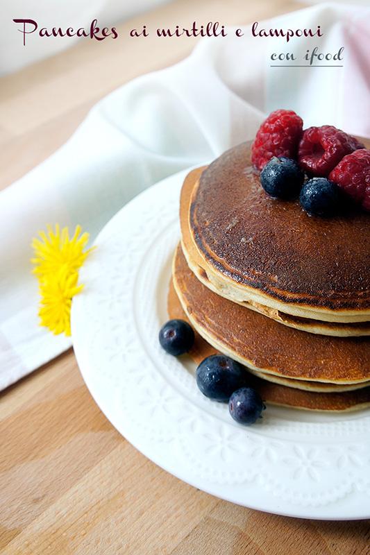 pancakes-mirtilli-lamponi01