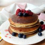 Pancakes ai mirtilli e lamponi