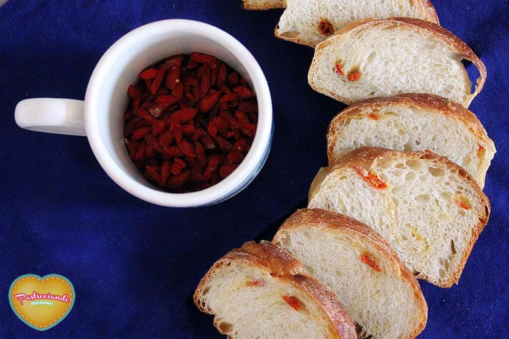 pane-dolce-goji-berries01