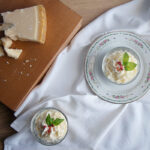 Mousse al Parmigiano Reggiano con crumble al basilico