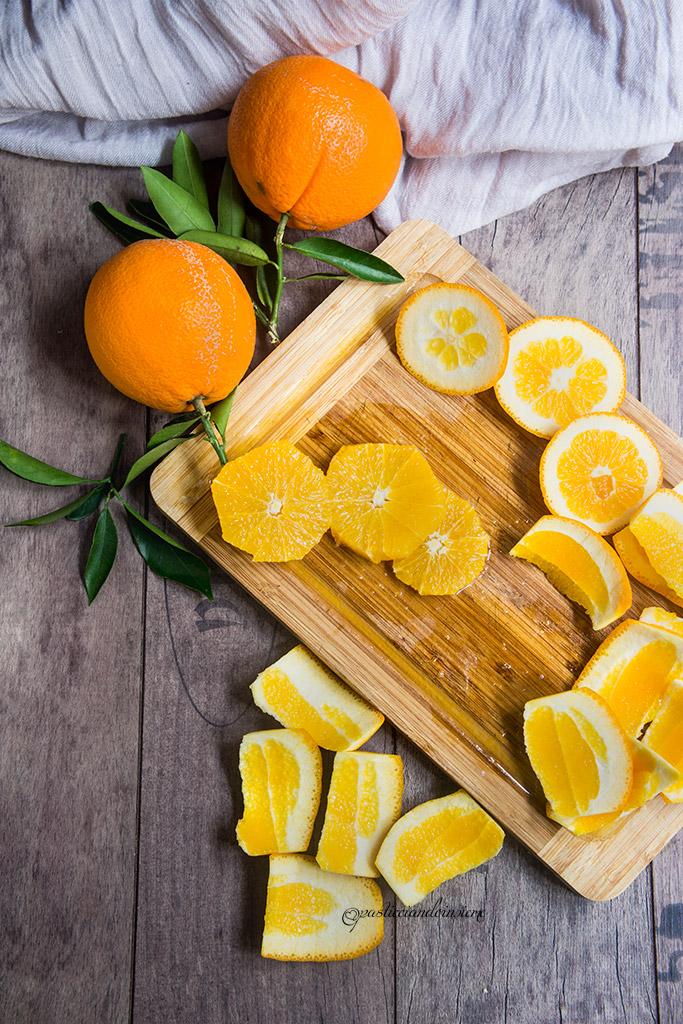 Galletta di mandorle farcita con arance e frangipane