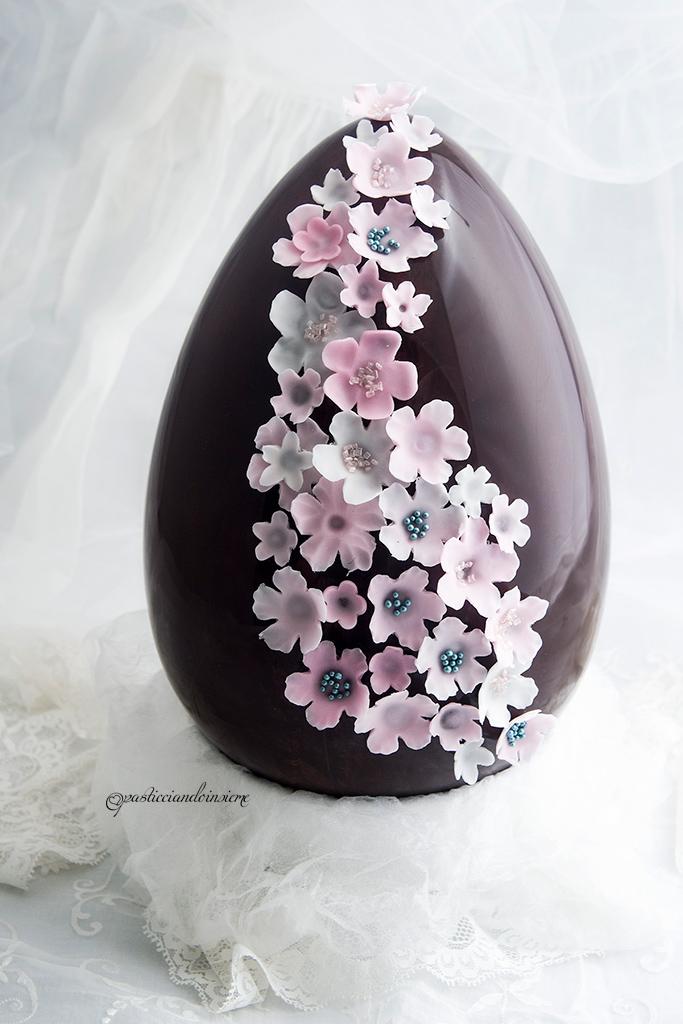 uovo-pasqua-decorato-cioccolato