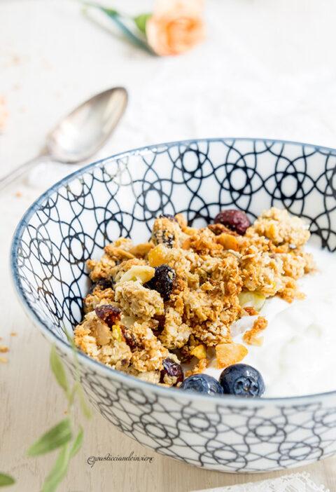 crunchy granola cranberry mandorla