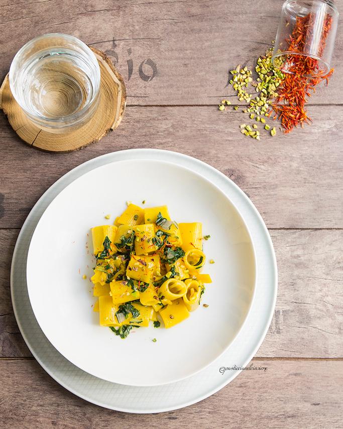 Mezze-maniche-salsa-bietole-Zafferano
